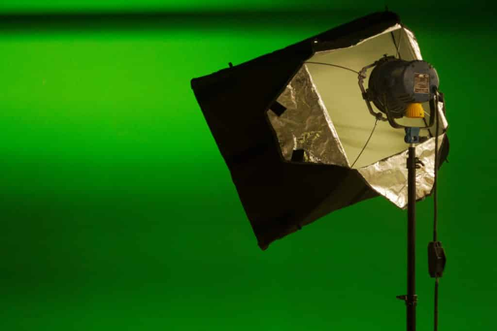 Green screen set up with light